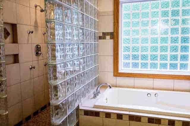 Use Glasses on Bathroom